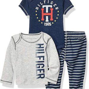 Új, eredeti, címkés Tommy Hilfiger gyerekruha, kisfiú 3 részes szett.